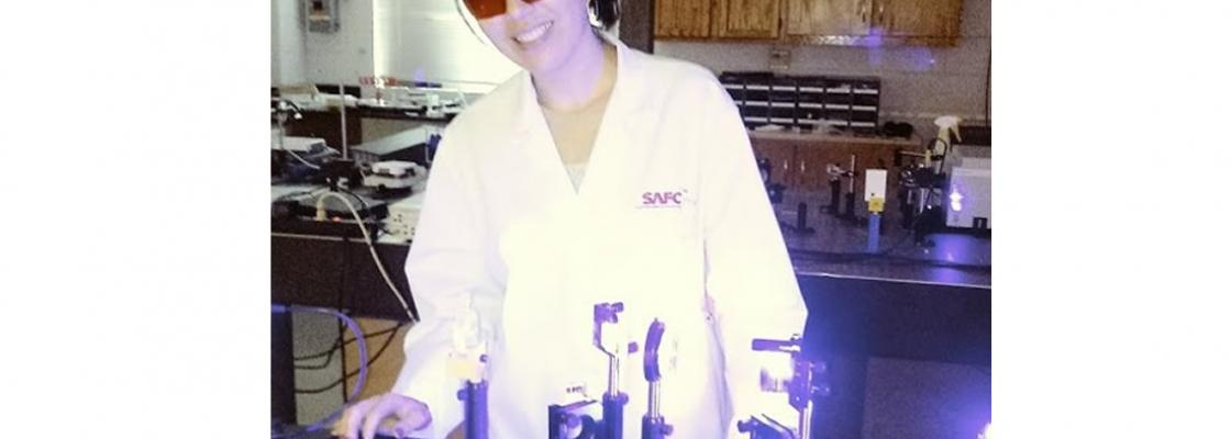 Visiting Scholar from Brazil Marcenilda Lima working in the laboratory of Quantum Optics at Delaware State University